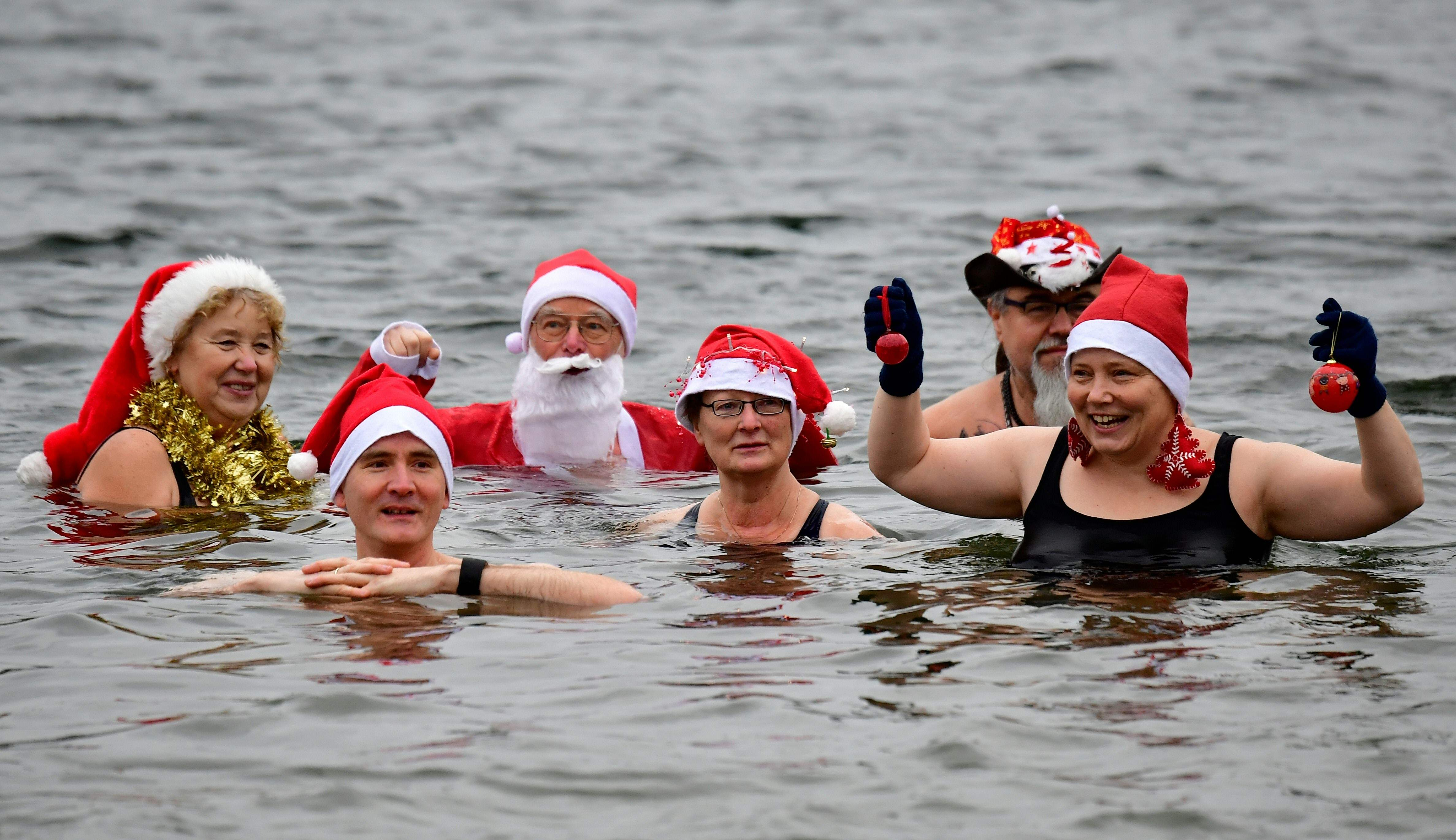 GERMANY-CHRISTMAS-SWIMMING